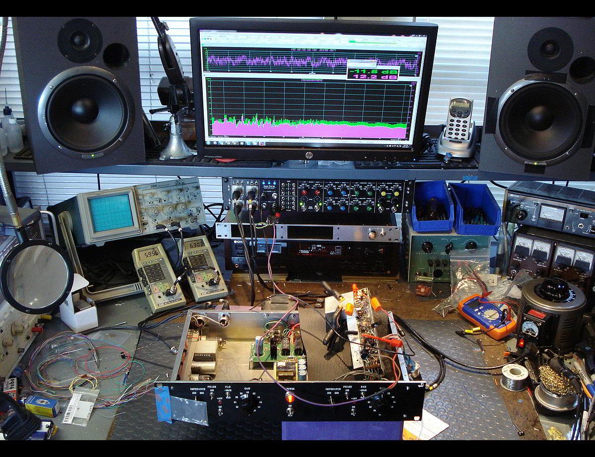 Pro audio repair bench repairs for Pro equipement restauration