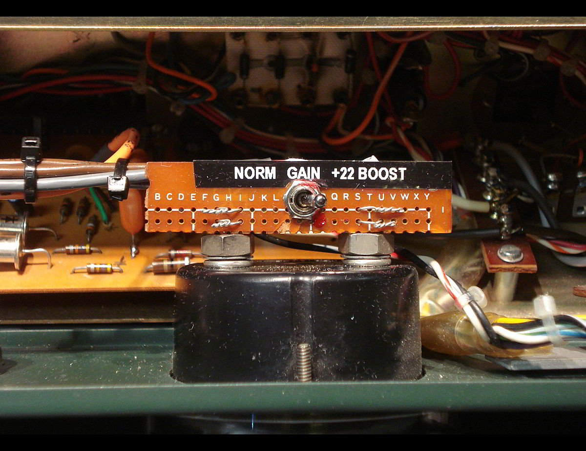 Altec 1591A mod showing close up of gain switch